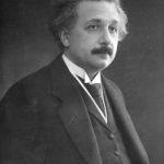 Jak Albert Einstein rozwinął teorię ogólnej teorii względności